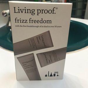 NIB LIVING PROOF FRIZZ FREEDOM SET
